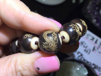 素彫り龍念珠ブレスレット